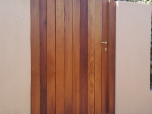 Cancello-in-Iroko